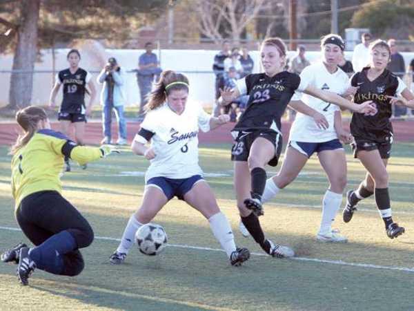 Foothill girls soccer: No separation