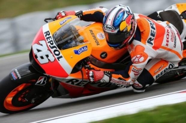 dani-586x390 - (MotoGP) Dani Pedrosa tira invencibilidade de Márquez e triunfa na etapa de Brno.