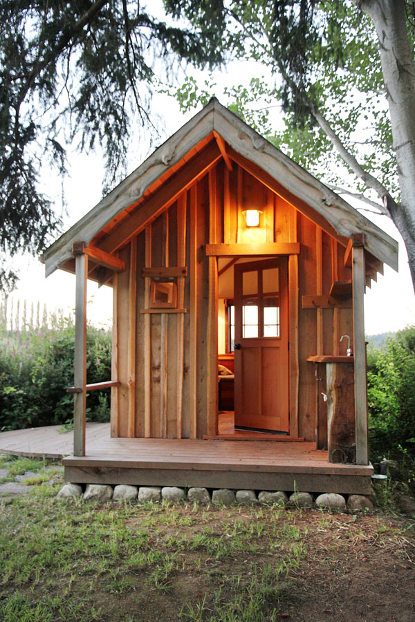 This Tiny One Room Cabin Is The Ultimate Artist S Escape