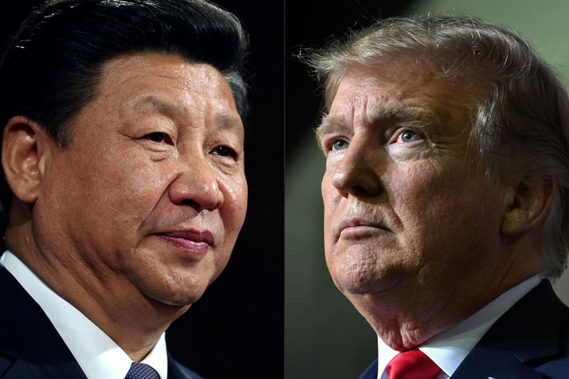 China's President Xi Jinping (L) and US President Donald Trump (R)