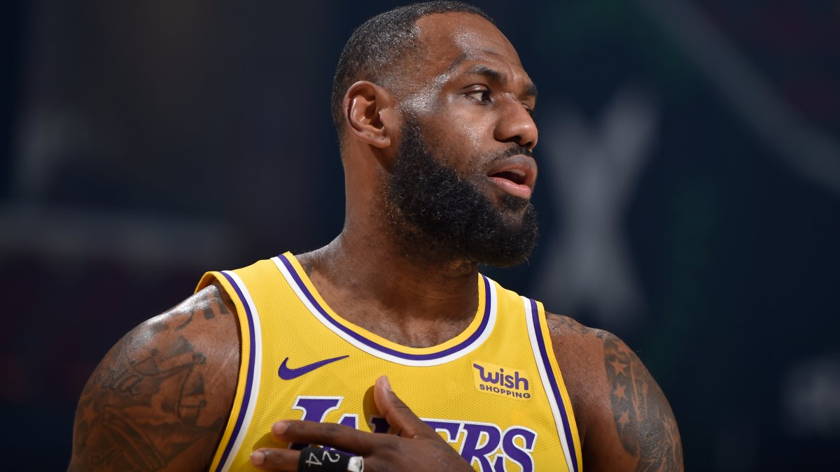 LeBron James Responds to Bar Owner Who Refuses to Show NBA Games Until Star is 'Expelled' From League