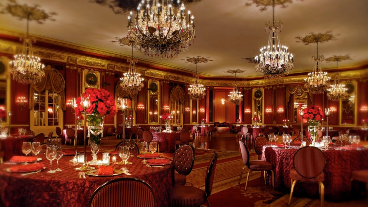 $150K Palmer House Hotel Package Includes Car Service, Cocktail Credit and More