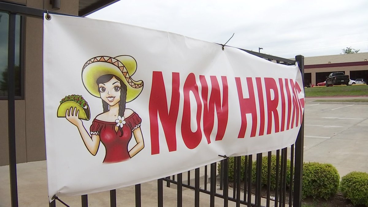 Texas Restaurants Starved for Workers Find Creative Ways to Recruit Job-seekers