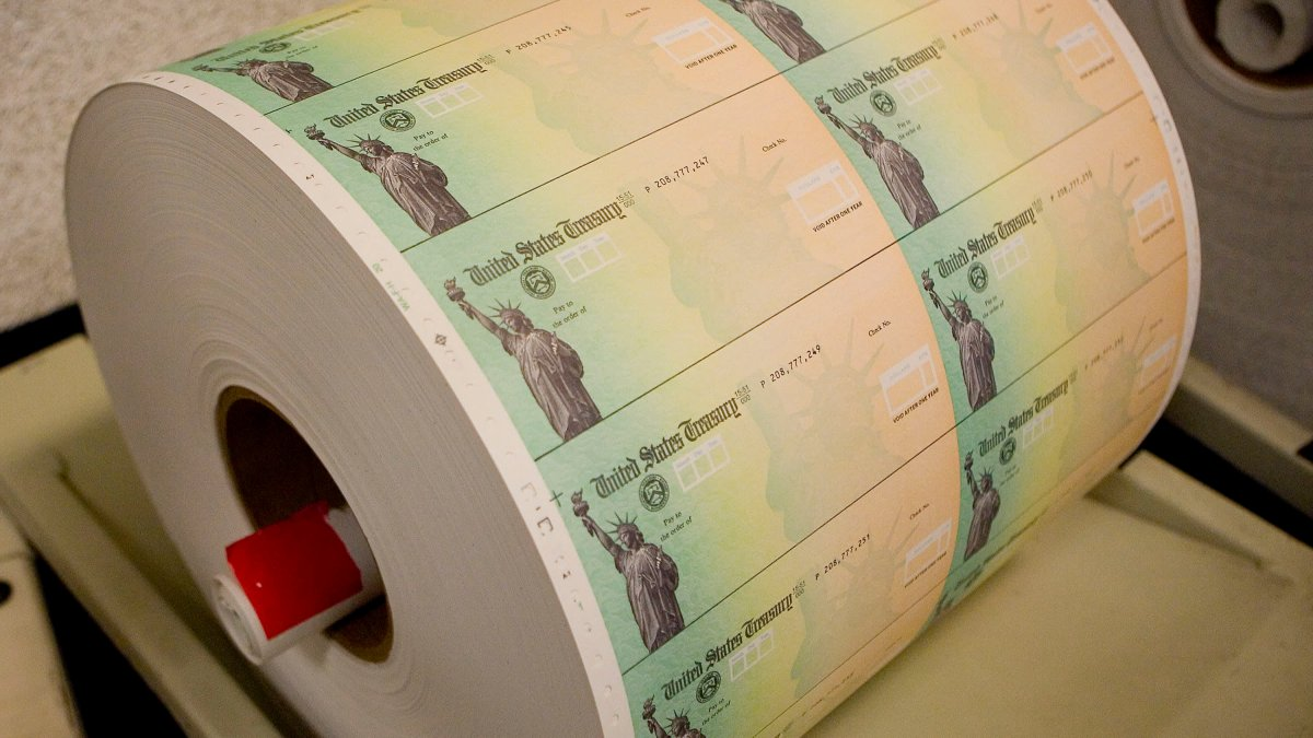 Stimulus Checks Could Start Hitting Bank Accounts This Weekend, White House Says 1