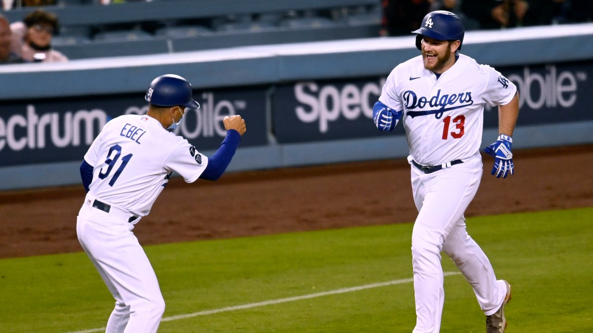 Clayton Kershaw Strikes Out 11, Dodgers Defeat Marlins 9-6 For 3rd Straight Win