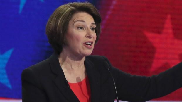 Todo lo que dijo Amy Klobuchar en la noche 1 del debate demócrata en Miami.