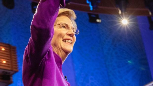Todo lo que dijo Elizabeth Warren en la noche 1 del debate demócrata en Miami.