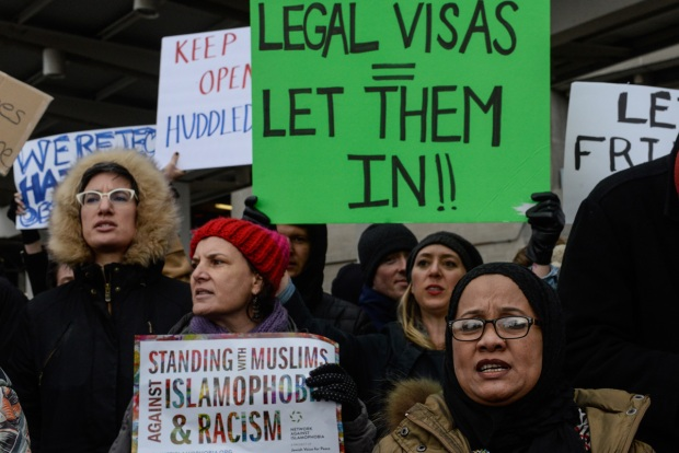 Trump Immigration Order Triggers Protests at US Airports
