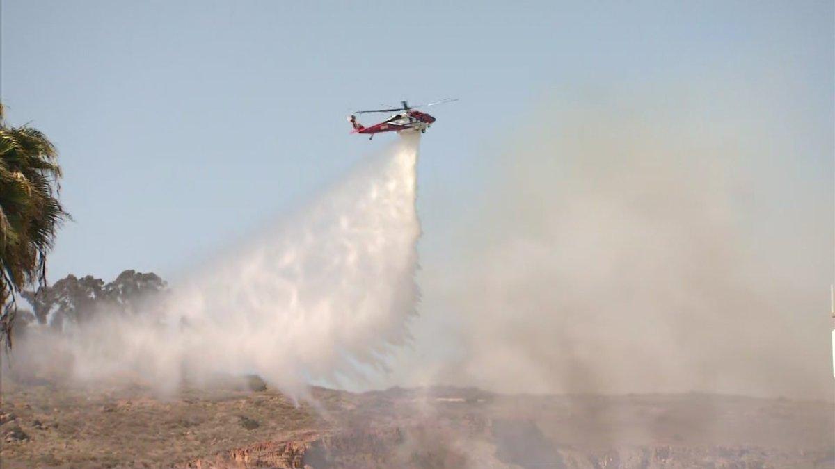 SDFD Firefighters Stop Spread of Brush Fire in Allied Gardens Area