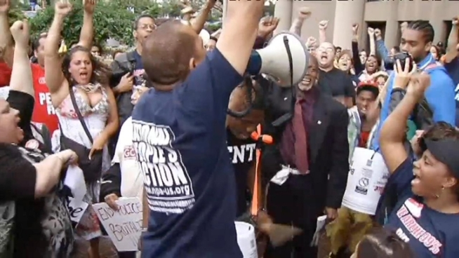 source: http://www.nbcwashington.com/news/local/Mistaken-Identity-Prompts-DC-Police-Brutality-Protest-152361995.html