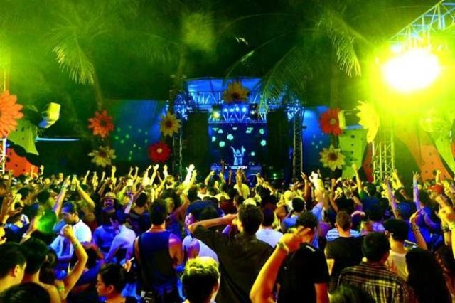 Wildest Beach Party Destinations In The World For Single Men