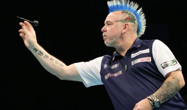 Patriot bis in die Haarspitzen: Zur Darts-Team-WM 2019 trat der gebürtige Schotte Peter Wright in den blau-weißen Farben seiner Heimat ans Oche. (Foto)