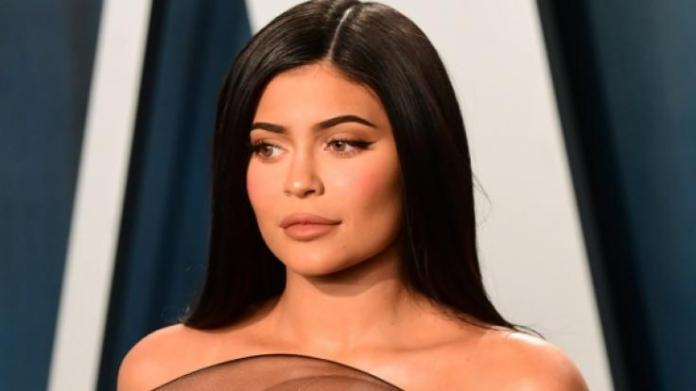 Kylie spoiled us Jenner is the Christmas Feeling?