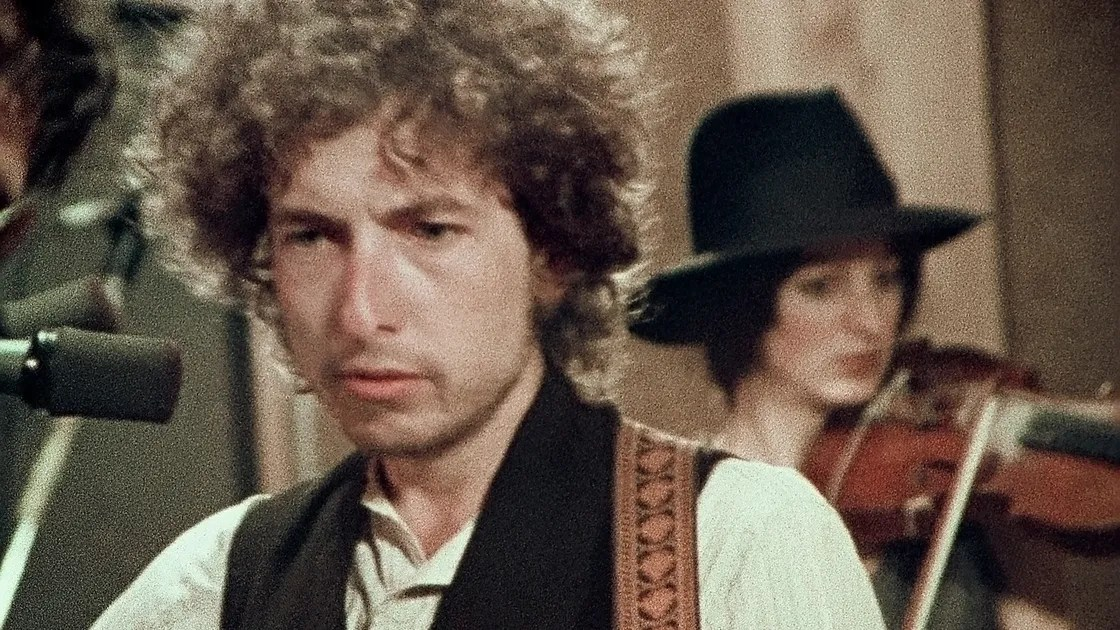 """""""Rolling Thunder Revue,"""" Reviewed: Martin Scorsese's Slippery Chronicle of Bob Dylan in Concert"""