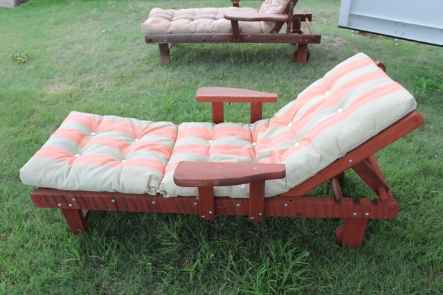 sold redwood patio furiture