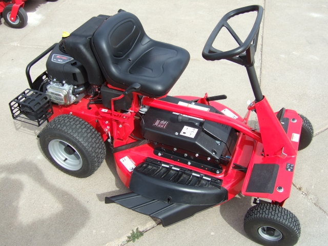 Snapper 33 Riding Mower W Catcher Ready For Fall Leaves Nex Tech Classifieds