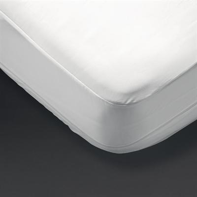 Mitre Comfort Allerzipsmooth Mattress Protector Single White