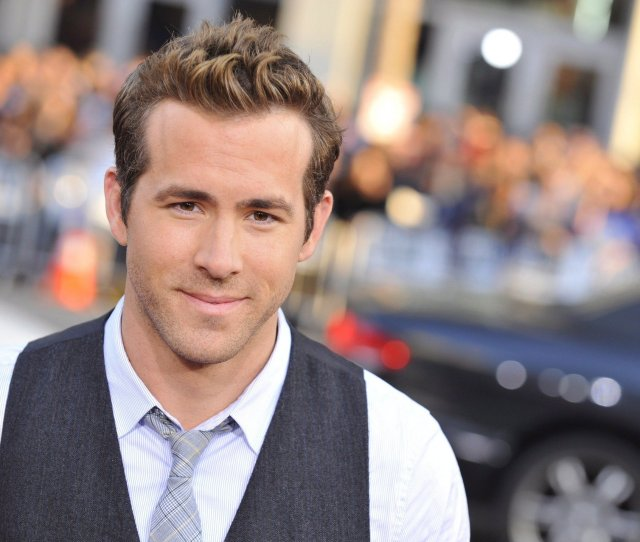Buried Star Ryan Reynolds Interview Nj Com