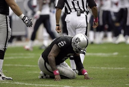 https://i1.wp.com/media.nj.com/giants_impact/photo/jamarcus-russell-raiders-383c0e16e0187720_large.jpg