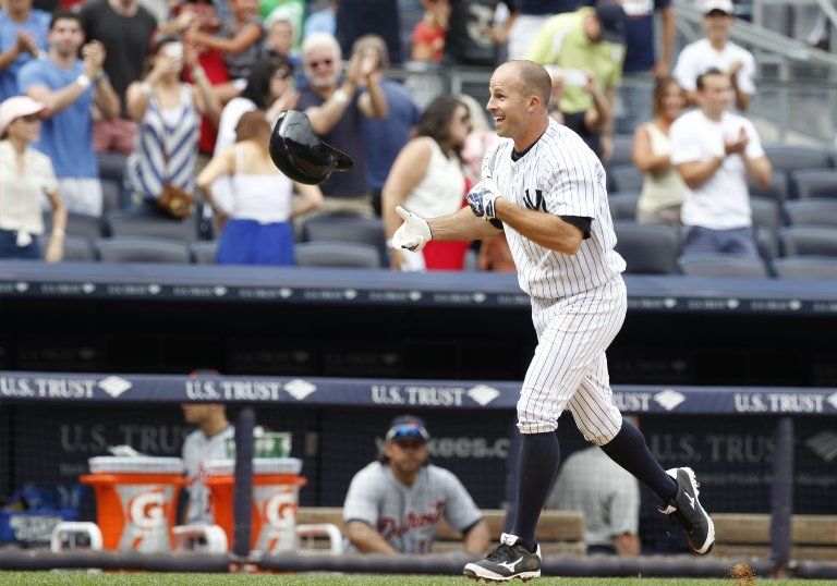 Yankees plan to keep Brett Gardner, but still listening to offers