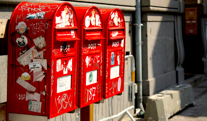 mailboxes abroad , photo by: Blondinrikard Fröberg (flickr: @blondinrikard)