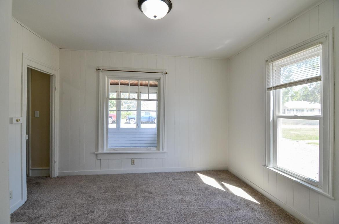 1212 3rd, Grinnell, Iowa 50112-8416, 2 Bedrooms Bedrooms, ,1 BathroomBathrooms,Single Family,For Sale,3rd,5653577