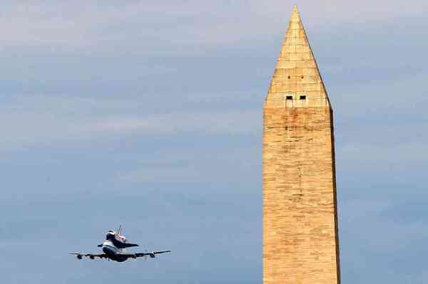 Space Shuttle Discovery Finishes Its Last Flight : The Two ...