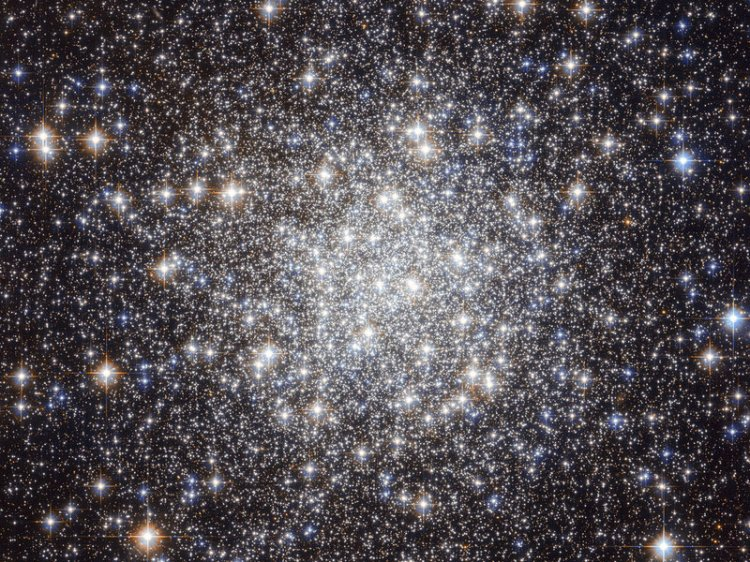 Stars in the constellation of Lyra.