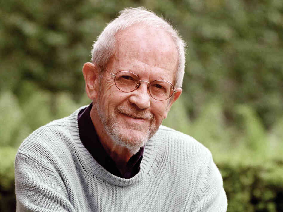 "Elmore Leonard, author of ""Get Shorty"", ""3:10 to Yuma"", and ""Rum Punch"" on which the movie ""Jackie Brown"" is based, has died at 87. - peoplewhowrite"