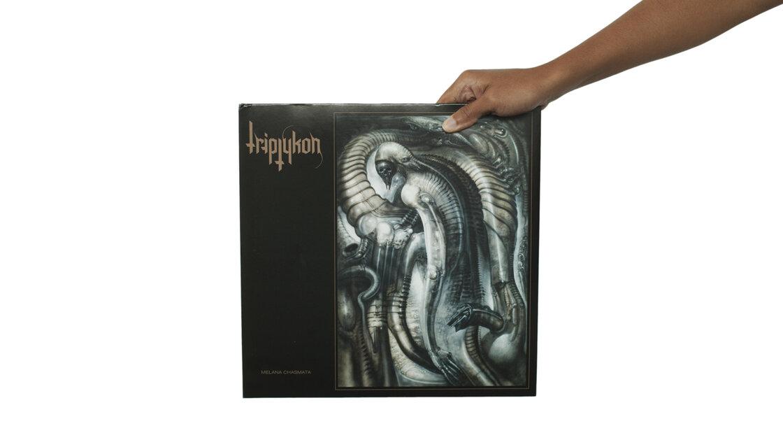 Triptykon, Melana Chasmata