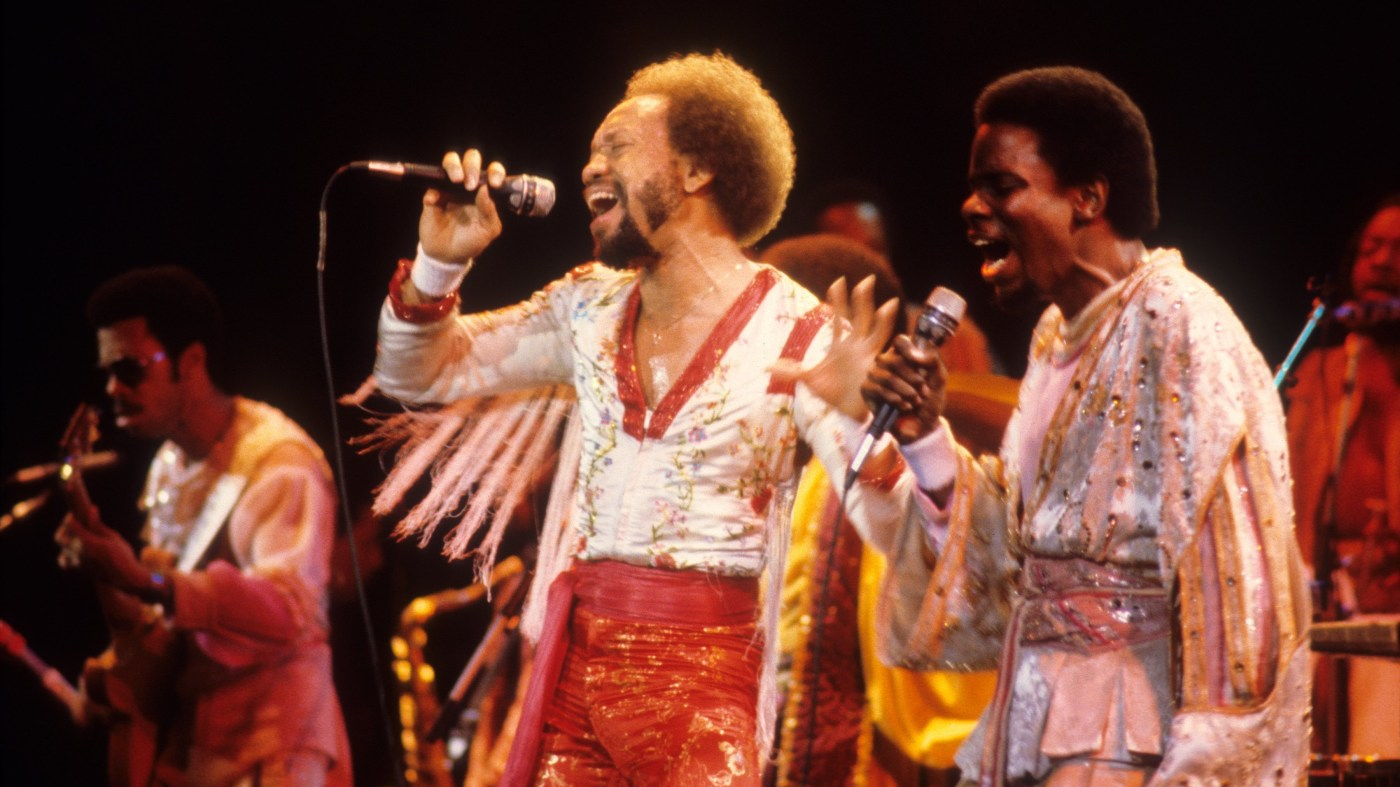 Earth, Wind & Fire performing