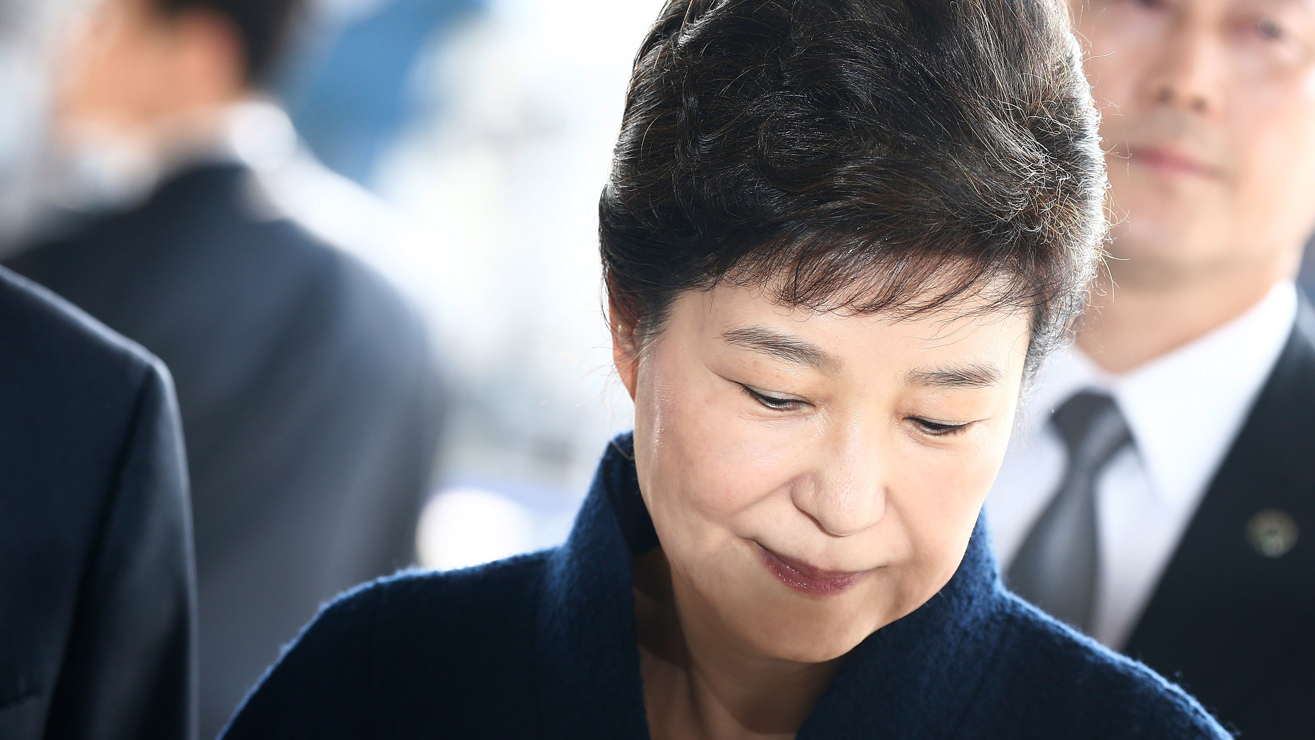 Ousted President Park Geun-hye arrives at the Seoul Central District Prosecutors