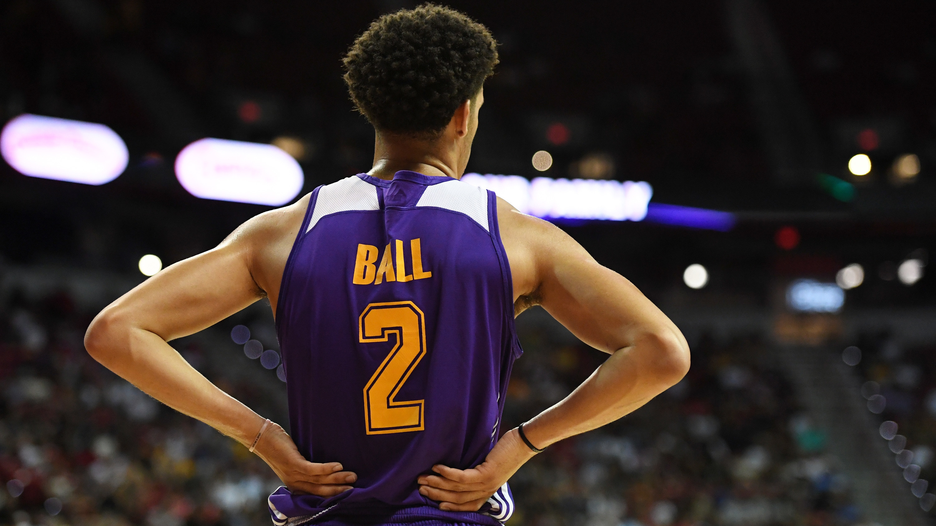 Lonzo Ball of the Los Angeles Lakers stands on the court during Saturday