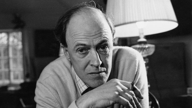 British writer Roald Dahl (1916 - 1990), in December 1971.