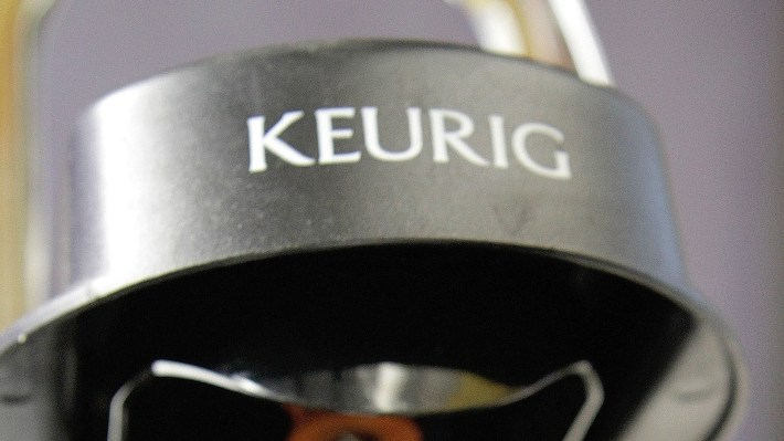 Keurig got caught up in a social media backlash after tweeting that it was pulling its advertising from the Hannity show on Fox News .