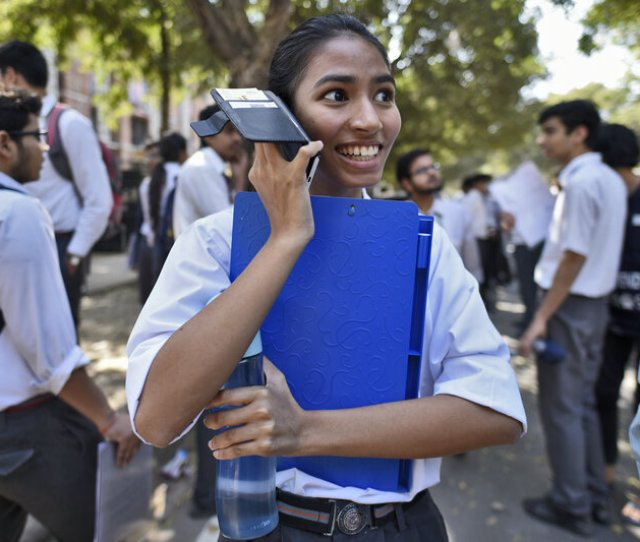 Why Teen Girls And Boys Dont Have Equal Access To Mobile Phones