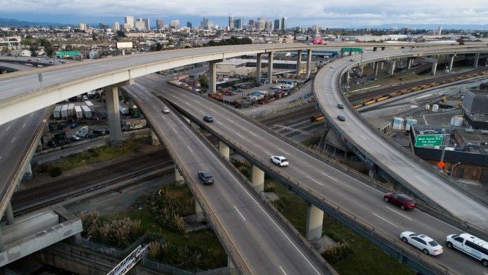 Freeways in Oakland, as in much of California, saw much lighter traffic — and fewer fatal traffic collisions — in the early weeks of the pandemic