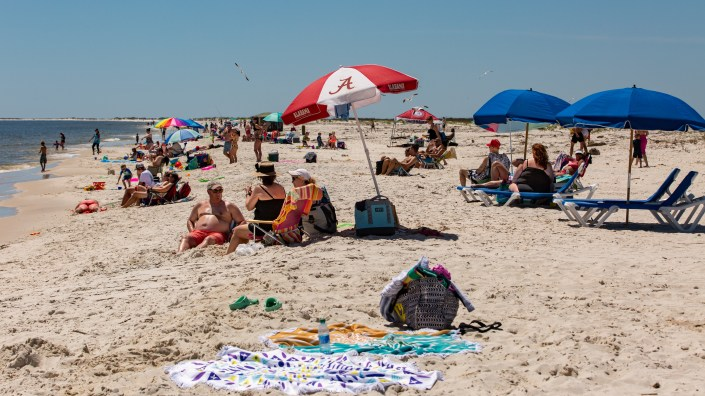 Alabama opened public beaches on May 1. Despite a recent rise in COVID-19 cases, Gov. Kay Ivey is easing her Safer at Home order to let casinos, museums, zoos and amusements parks open Friday afternoon.