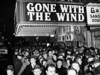 """Gone With the Wind"" Returns to HBO Max With New Introduction Explaining Film's Depiction of Antebellum South"