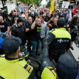 Verdachte aangehouden voor belagen pers in Schilderswijk