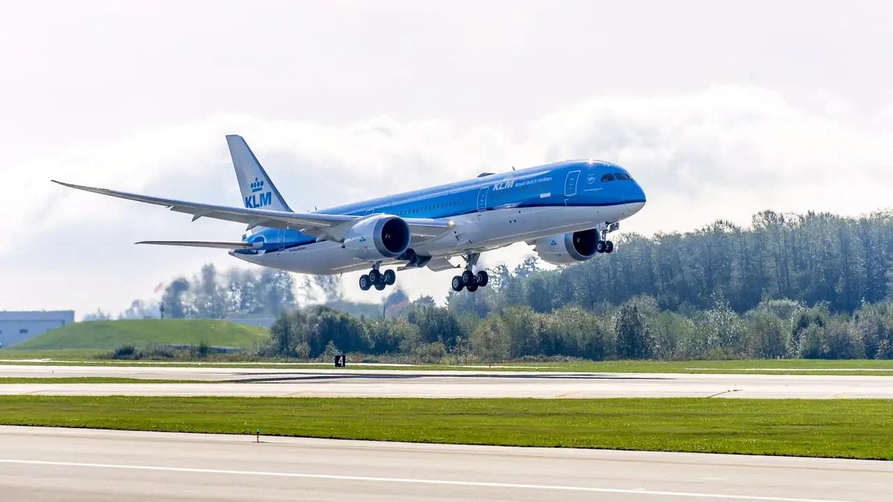 KLM recibe primer Boeing 787-9 |