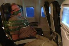 Drunk man duct taped on flight to JFK