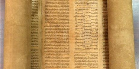 An Italian expert in Hebrew manuscripts says he has found the oldest known complete Torah scroll, a sheepskin document dating from 1155-1225. Photo / AP