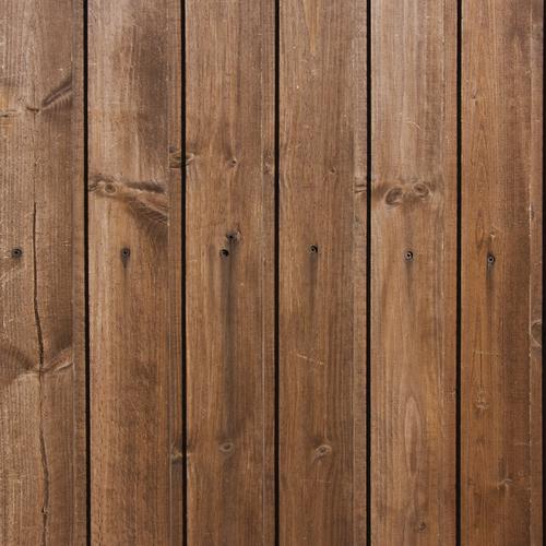 une cloison en bois pour isoler un mur