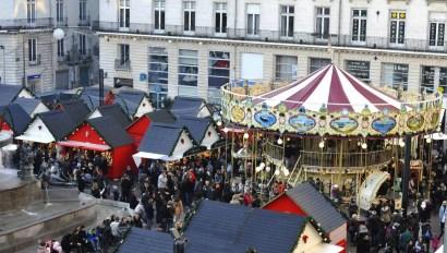Top départ du marché de Noël à Nantes le 23novembre.