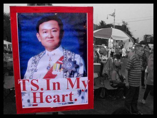 Toujours Thaksin 11