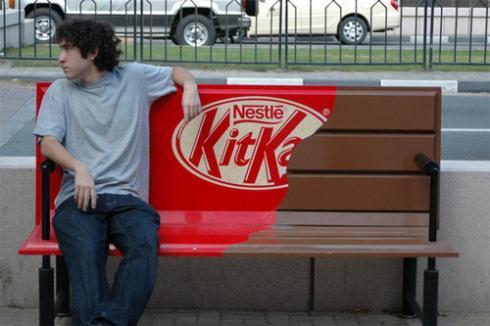 Un Banc en Kit Kat