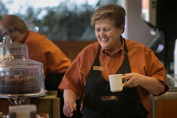 At Cherry Hill diner, waitress gets a helping of praise ...