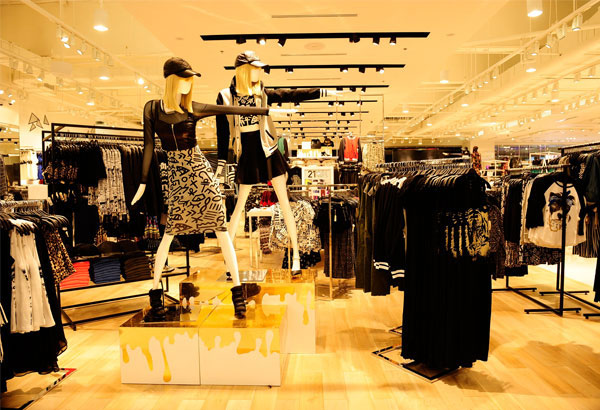 Forever 21 Opens At SM City Fairview