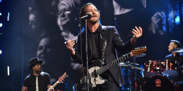"""Rock Hall 2017: Watch Pearl Jam Perform """"Alive,"""" """"Given to ..."""